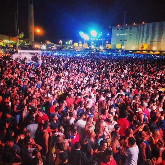 Público lotou a área externa do Cecon. Foto: Innovo/Divulgação