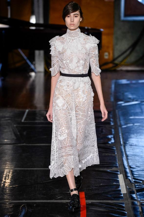 Vestido branco em renda - Crédito: Agência Fotosite/Divulgação