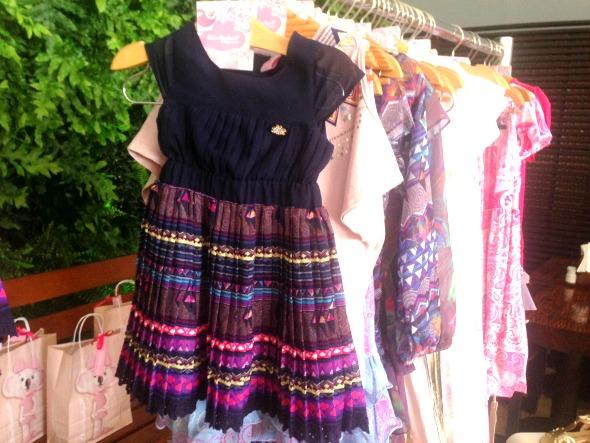 A versão infantil do vestido que Isabelli Fontana criou e usou no lançamento da coleção para a imprensa - Crédito: Cecília Ramos/DP.DA Press