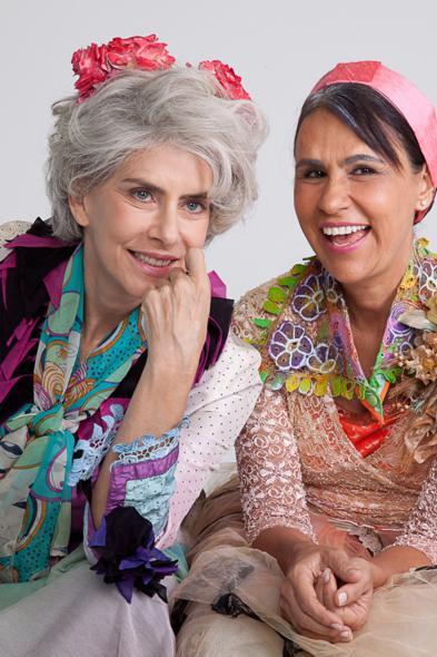 Maitê e Desiré vivem duas octagenárias na peça. Crédito: Divulgação do espetáculo