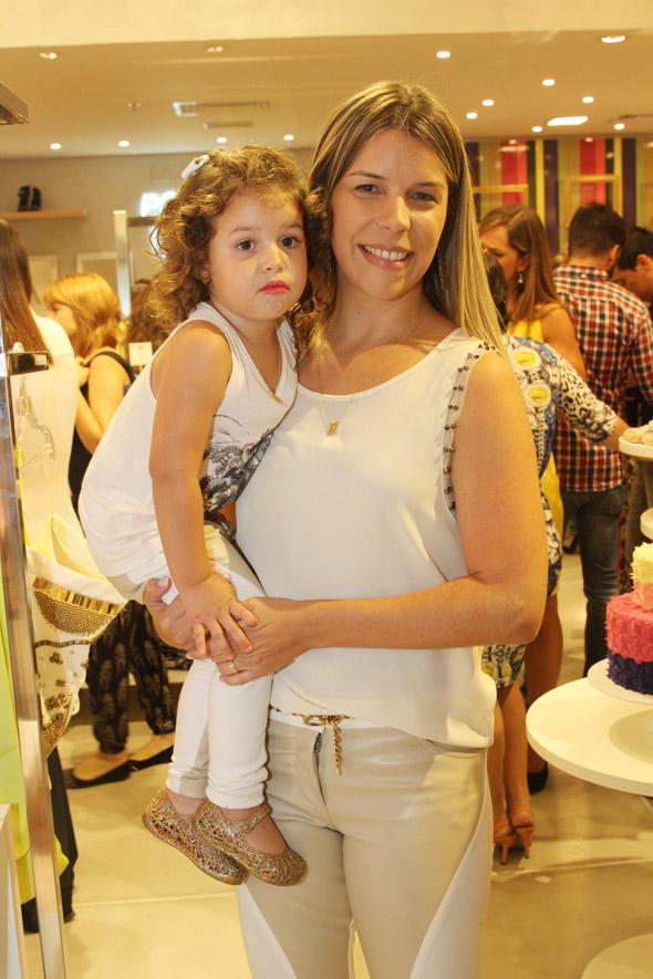 Maria Eduarda e Luciana Mapurunga Crédito: Nando Chiappetta/DP/D.A Press
