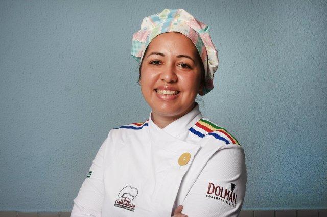 A chef Marie França ministra a oficina Crédito: Divulgação