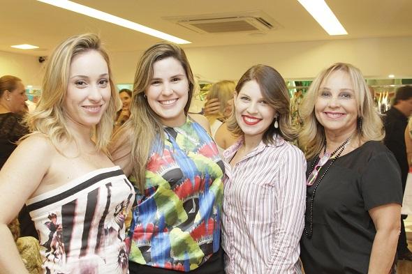 Erika Farias, Thaysa Rafaella, Rayssa Lira e  e Hilda Farias - Crédito: Duda Carvalho/Divulgação