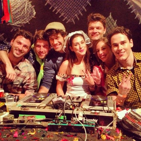 Grupinho de famosos na festa Chá da Alice - Crédito: Chá da Alice/Divulgação