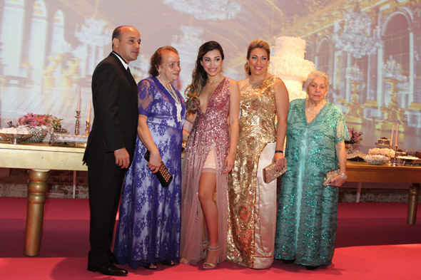 Fernanda com a família - Crédito: Nando Chiappetta/DP/D.A Press