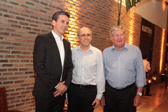 Felipe Carreras, Múcio Souto e Arno - Crédito: Nando Chiappetta/DP/D.A Press