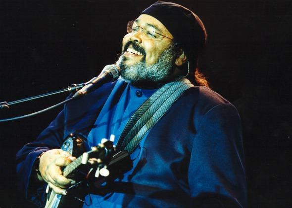 O cantor Jorge Aragão se apresenta no Manhattan Crédito: www.jorgearagao.art.br/