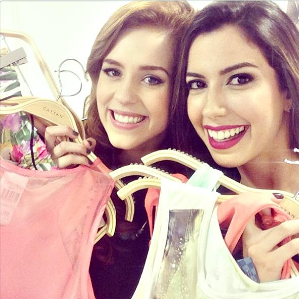Sophia Abrahão e Camila Coutinho na inauguração da loja Cattan no Shopping Recife - Crédito: Reprodução do Instagram