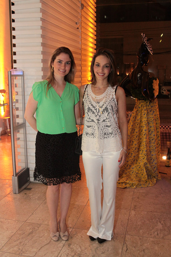 Camila Paes Mendonça e Cris Lemos -