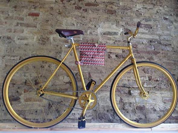 Bicicleta customizada para o arquiteto Diogo Viana - Crédito: Cecília Ramos/DP DA Press