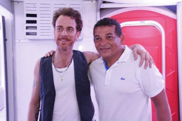 Nando Reis e o prefeito Vado da Farmácia - Crédito: