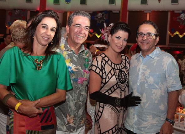 Patrícia, Ivo Gomes , Carla Bensoussan e Antônio Lavareda -  Crédito: Nando Chiappetta/DP/D.A Press