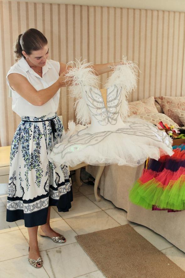 Juliana Lins mostra a fantasia de bailarina - Crédito: Nando Chiappetta/DP/ D. A Press