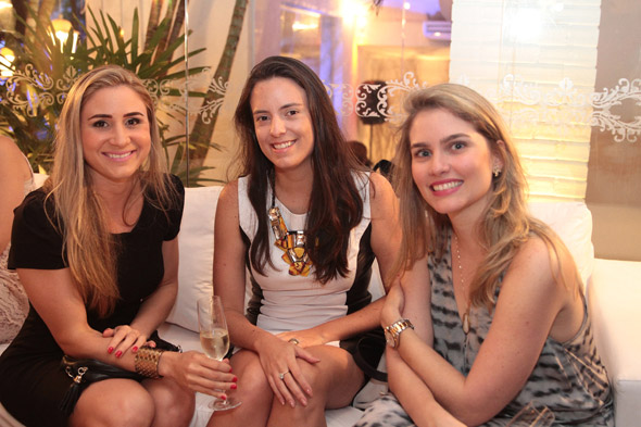 Mariana Perylo, Joana Petribú e Camila Paes Mendonça - Crédito:Nando Chiappetta/DP/D.A Press