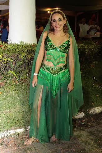 Ludmila Torres aproveitou o baile de odalisca