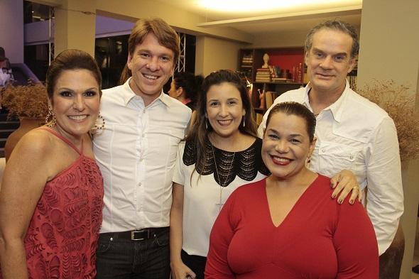 Beth, Breno Schwambach, Mariana Russo, Madalena Albuquerque e Newman Belo - Crédito: Gleyson Ramos/Divulgação