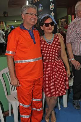 O prefeito de Jaboatão Elias Gomes, de gari, e a mulher, Ana Karla