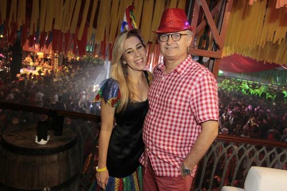 Germanda e Eduardo Carvalheira acompanharam todos os detalhes da festa  Crédito: Gleyson Ramos/Divulgação
