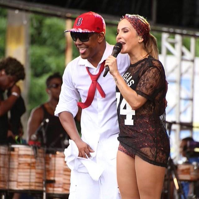 Claudinha cantou com Márcio Vitor do Psirico