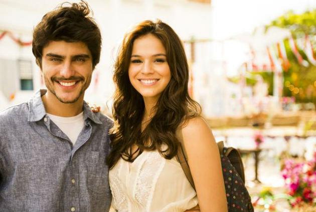 Guilherme Leicam e Bruna Marquezine estão ficando Crédito: TV Globo