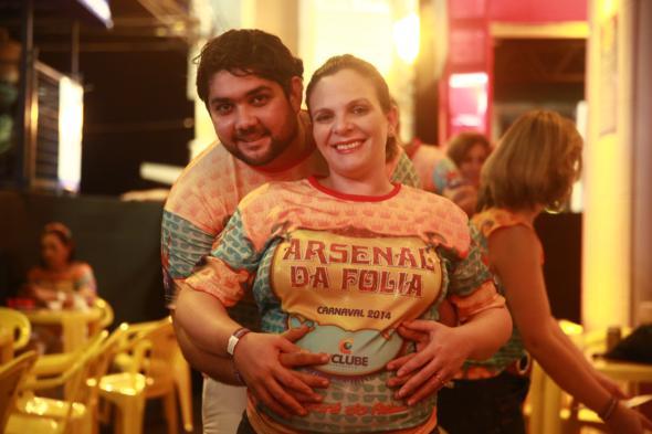 Tulio e Juliana Figueirêdo, que está grávida de sete meses - Crédito: Bernardo Dantas/DP/D.A Press -