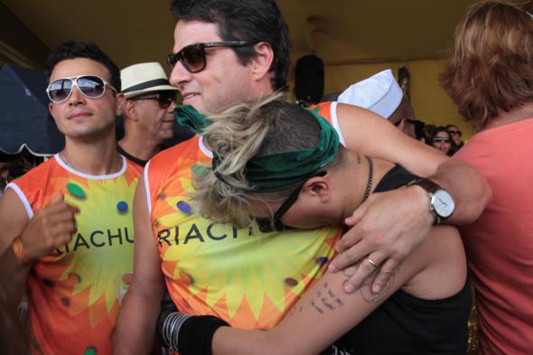 Marcelo Serrado abraçando Maria Gadu - Credito: Annaclarice Almeida/DP/D.A Press