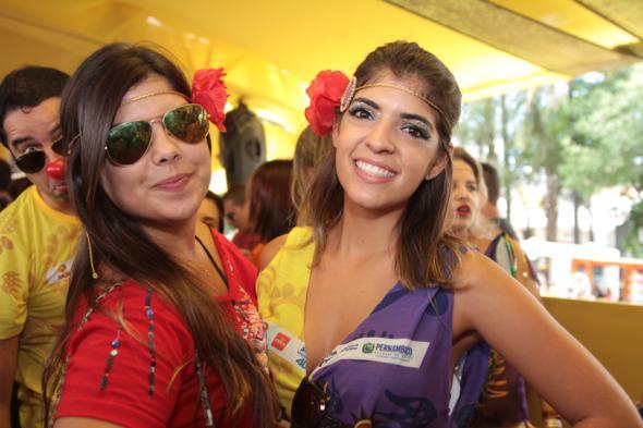 Carolina Toniolo e Maria Eduarda Albuquerque - Credito: Annaclarice Almeida/DP/D.A Press