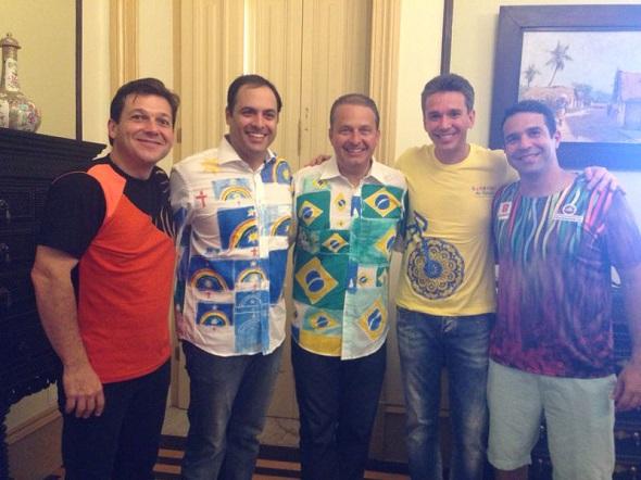 Geraldo Julio, Paulo Câmara, Eduardo Campos, Felipe Carreras e Carlos Percol - Crédito: