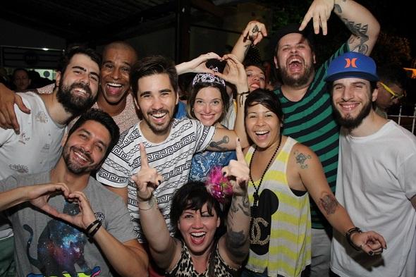 ucas Logiovine, Allana Marques e amigos - Crédito: Máquina 3/Divulgação