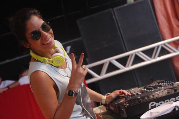 DJ Hellen Sancho. Crédito: Aryela Lira / Divulgação