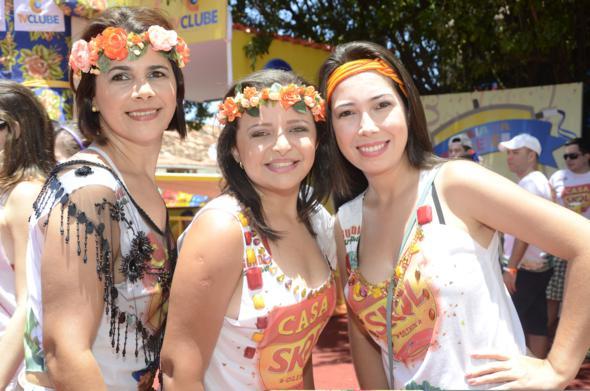 Neide, Willyane e Jaqueline Farias Crédito: Cristiane Silva/DP/D.A Press
