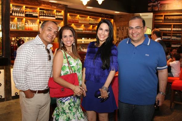 Saulo Pontes, Tatiana Pontes, Ana Paula Cascão e Waldir Bitu - Crédito: Julio Jacobina/DP/D.A Press