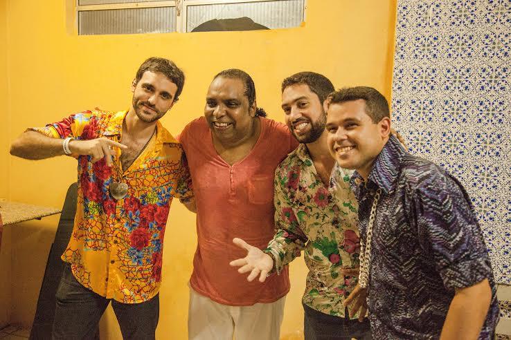 Marrom Brasileiro e Faringes da Paixão se encontraram no camarim