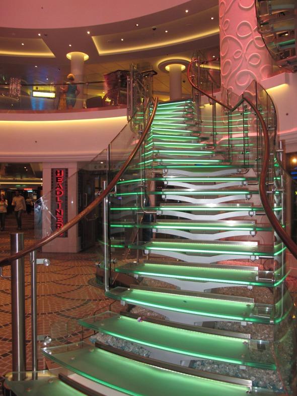 A bela escada de vidro