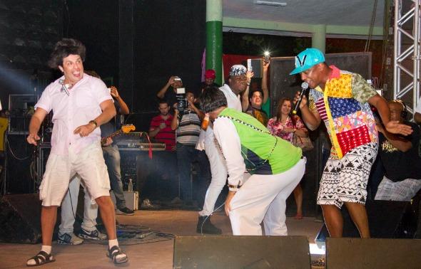 Psirico recebeu personagens do Pânico no palco do Clube Português  - Crédito: Diógenes Leite/Divulgação