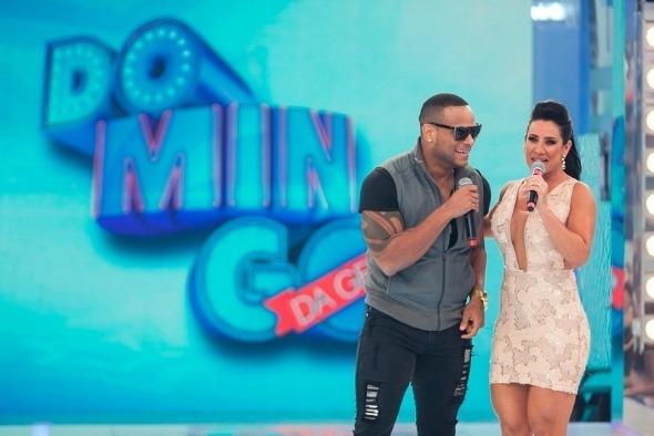 Tony Salles, marido de Scheila Carvalho, é o novo vocalista do Parangolé Crédito: TV Record/Divulgação