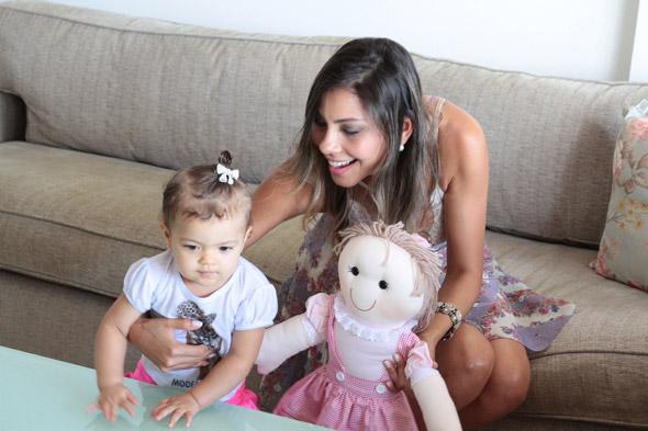 Karla com a filha Carolina Crédito: Nando Chiappetta/DP/D.A Press