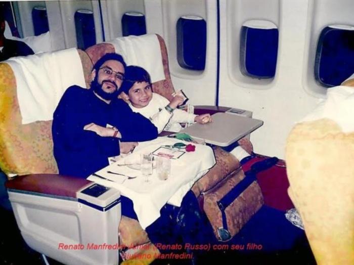 Renato Russo e o filho Giuliano Manfredini, ainda pequeno - Foto: Arquivo pessoal
