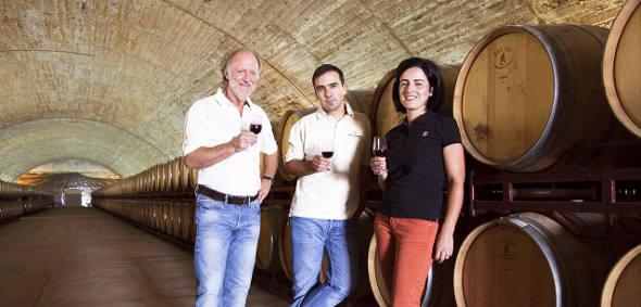 Os enólogos da vinícola Esporão