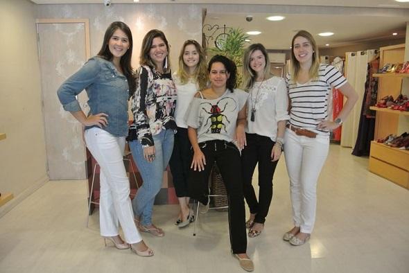 Marcela Allain, Marina Paraíso, Alice Marinho, Juliana Beltrão, Alynne Borba e Gabriela Menezes - Crédito: Atelier Marinho/ Divulgação
