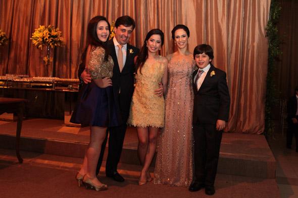 Anna Beatriz, Ramiro, Maria Eduarda, Jacyra e Ramiro Filho Crédito: Nando Chiappetta/DP/D. A Pres