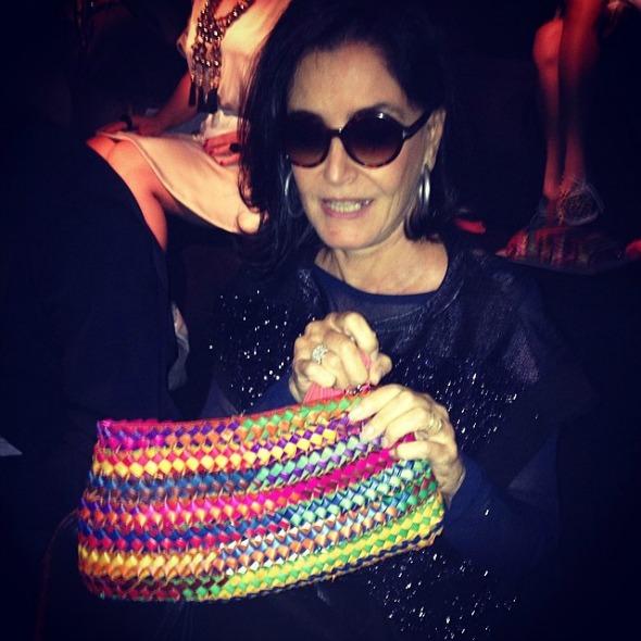 Glória Kalil com o gift da primeira fila da Animale -  Crédito: Reprodução do Instagram