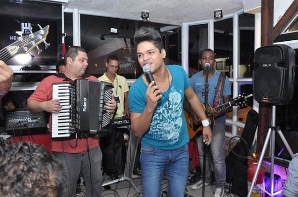 Helton Lima é uma das atrações - Crédito: Camila Neves/Divulgação