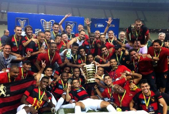 Jogadores do Sport comemoram conquista da Copa do Nordeste