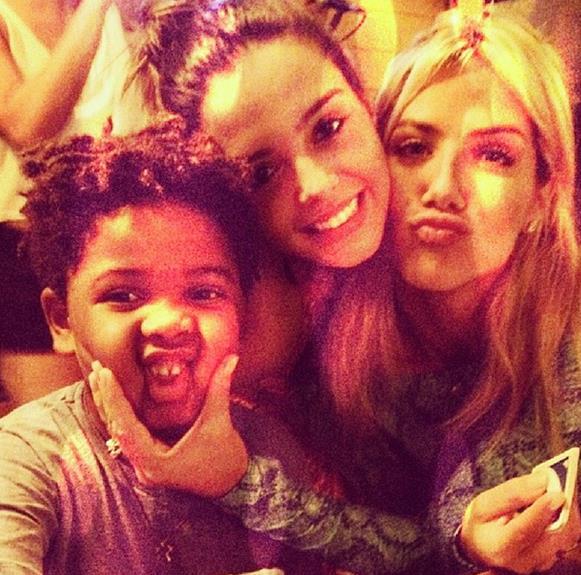 Gabriel (filho de Astrid Fontenelle), Giovanna e Giovanna Ewbank Crédito: Instagram