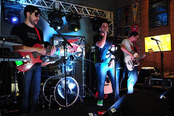 A banda Amsterdam fez o agito da noite - Crédito: Armando Artoni/Divulgação