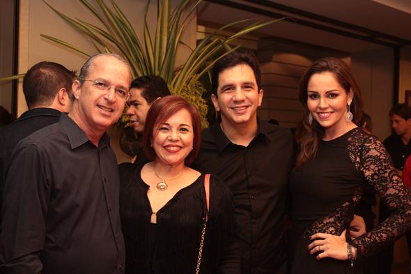 Mauro Alencar, Cláudia, Gustavo Negromonte e Luana - Crédito: Nando Chiappetta/DP/D.A Press
