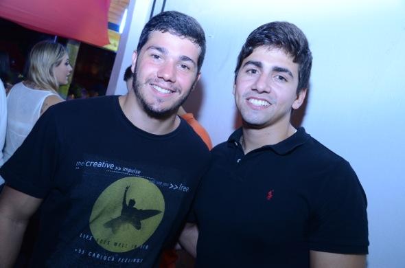Henrique Peregerino e Henrique Teixeira. Crédito: Ricardo Moreira/ Divulgação