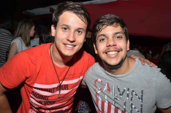 Sérgio Ferraz e amigo. Crédito: Ricardo Moreira/ Divulgação