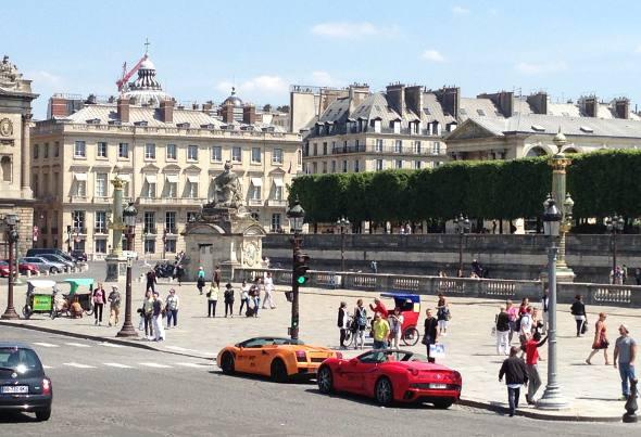Ferraris na Praça da Concordia em Paris/JAMS